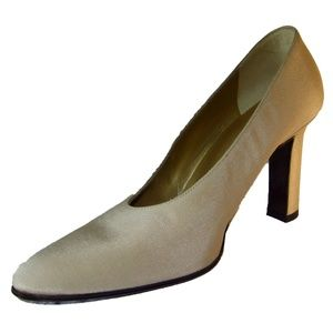 NEW! YVES ST. LAURENT Heels Italy Shoes Beige Peau